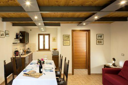 In Agriturismo appartamenti con giardino per vacanze relax in Umbria