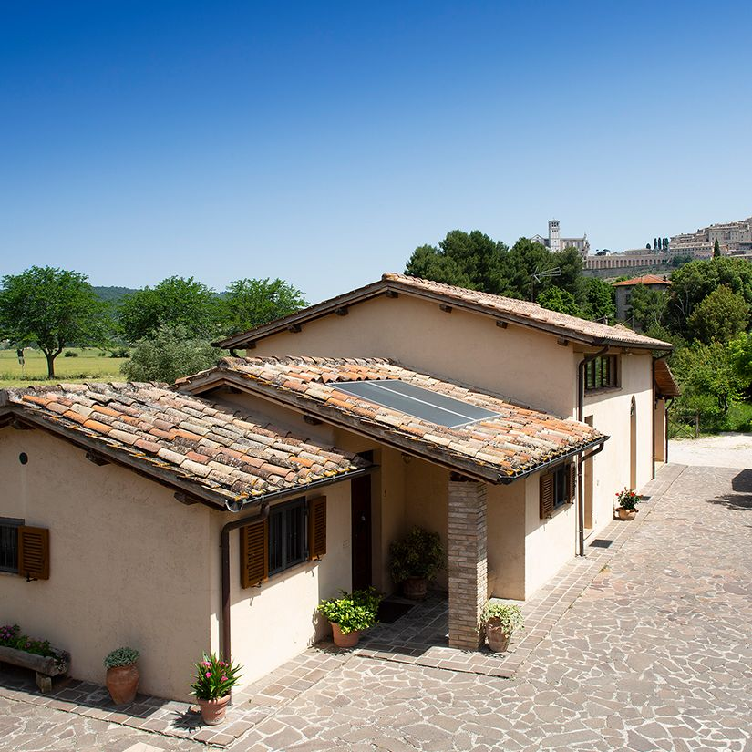 Farm rent apartments with garden view Assisi