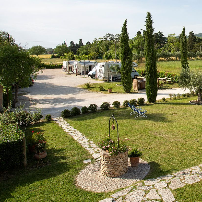 Agrisosta All'Antica Mattonata: area camper attrezzata in Agriturismo ad Assisi