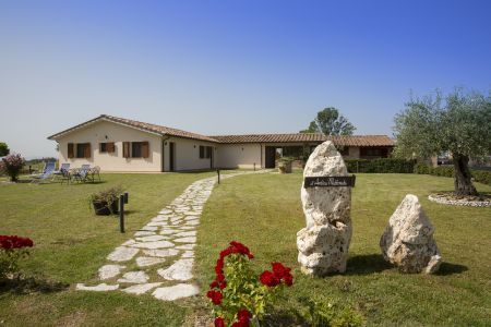 Assisi bed and breakfast farm holiday All'Antica Mattonata