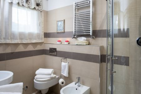 Apartments with spacious rooms with bathroom Farm Assisi