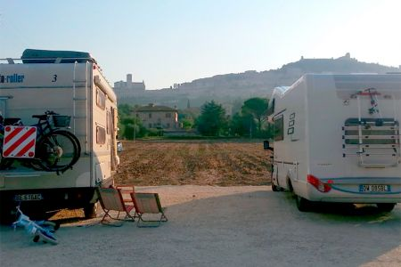 Parking facilities for campers in Assisi. Agrisosta All'Antica Mattonata Umbria