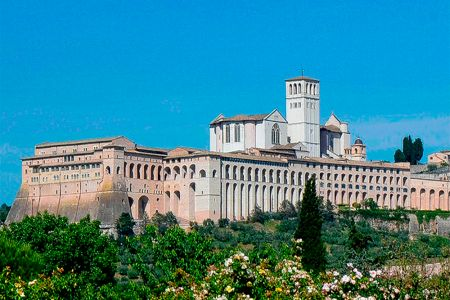 The Basilica of San Francesco of Assisi view from farm holidays All'Antica Mattonata