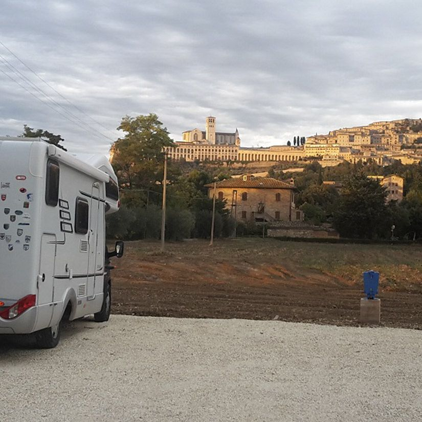 Camper service Assisi, equipped rest Pitch for campers in farm